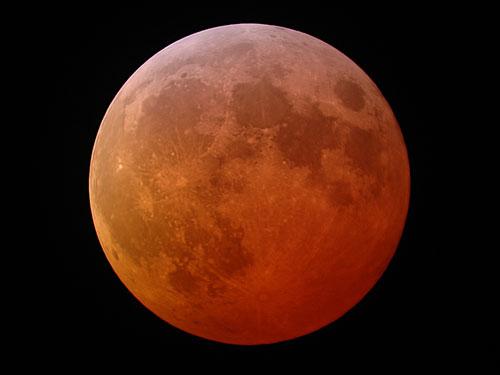 Полное лунное затмение 21 февраля