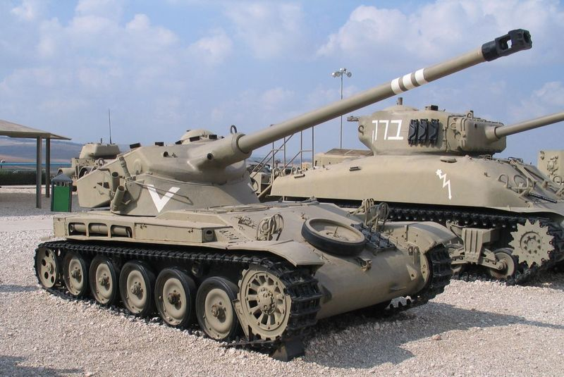 Строит легкие танки для патагонии