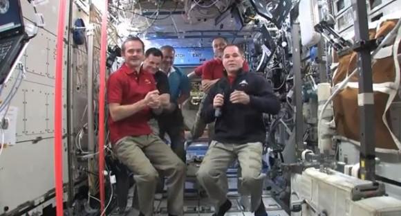 Космонавты МКС не могут вернуться на Землю