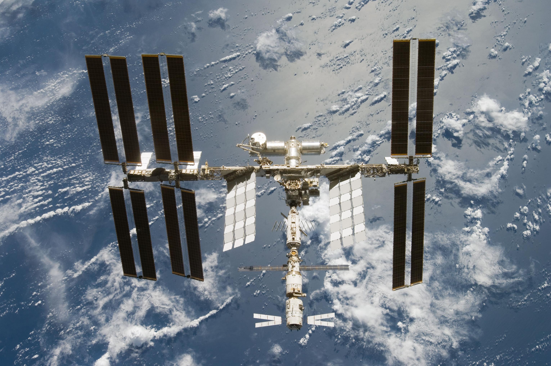 Фото и Видео дня: МКС в любительский телескоп