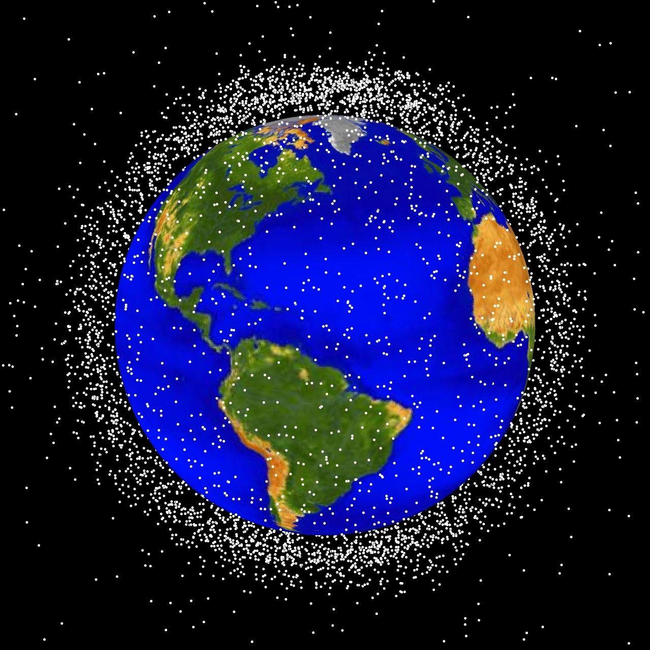 Роскосмос пытается решить проблему космического мусора
