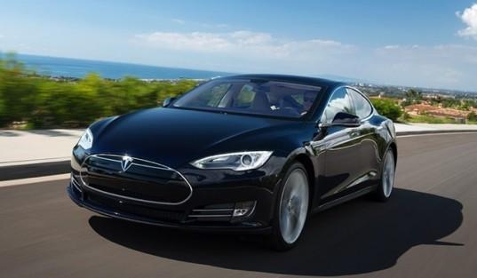 Через год появится Tesla с автопилотом