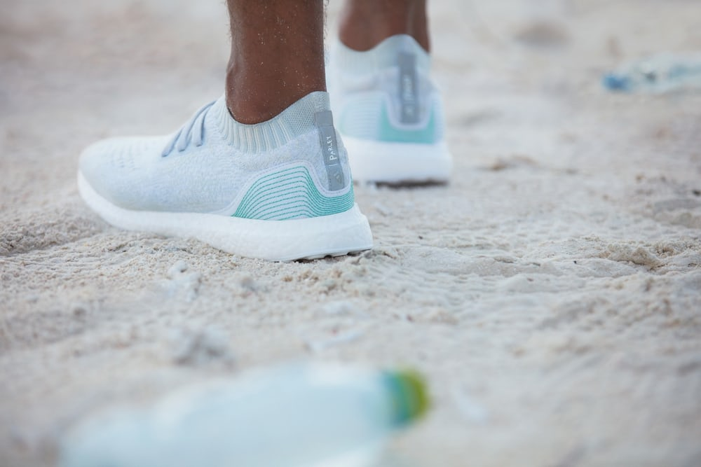 Adidas создал коллекцию кроссовок изокеанического мусора