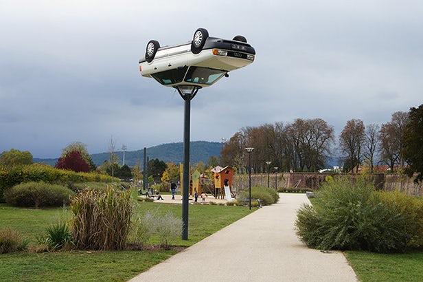 Француз переделывает машины в...