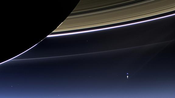 Американские зонды сфотографировали Землю из Космоса