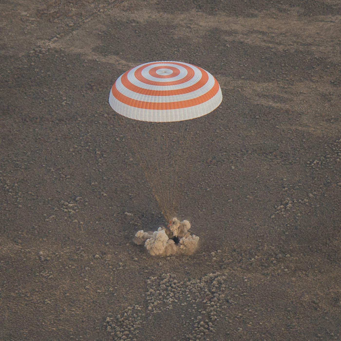 Экипаж МКС под управлением иркутянина вернулся наЗемлю