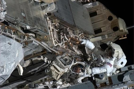 Лучшие космические фото от Криса Хадфилда