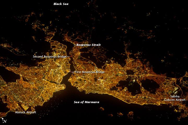 Из самых больших городов мира на фото