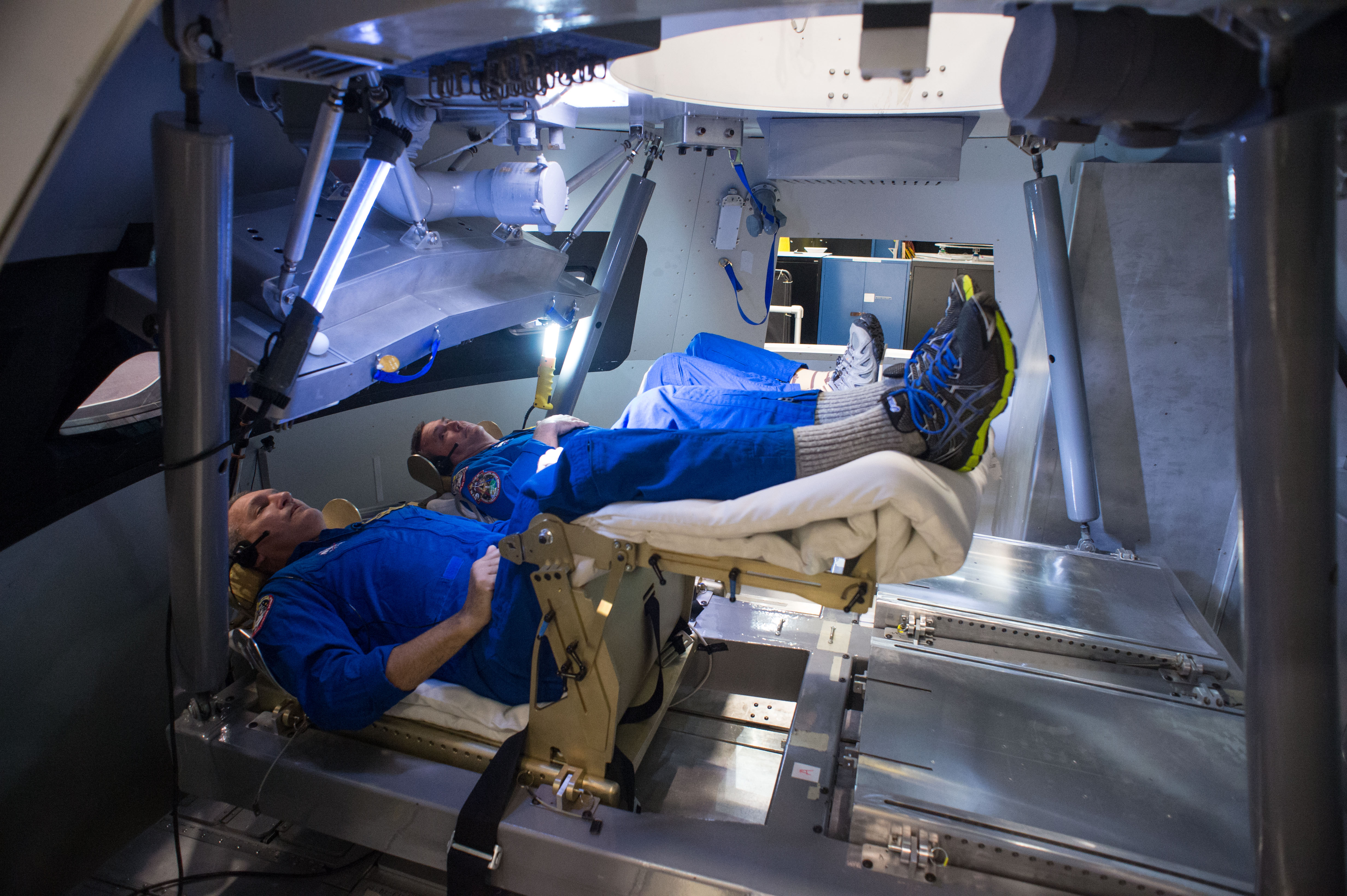 Астронавты тренируются на борту КА Орион