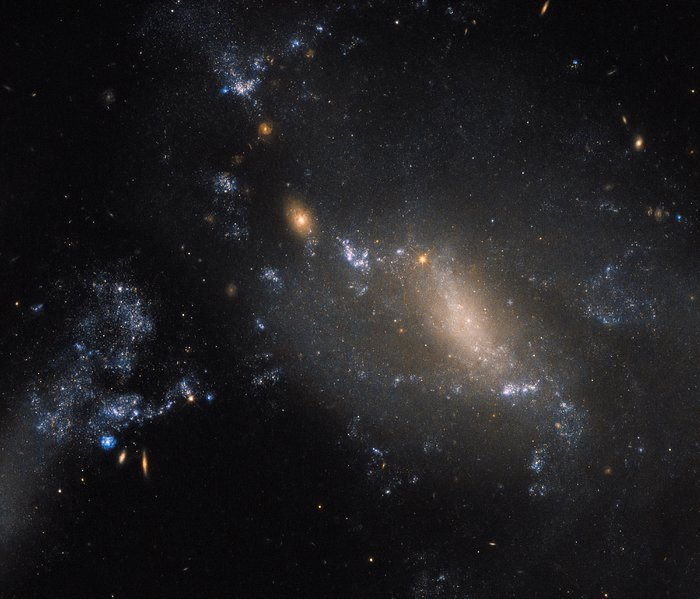 Hubble Telescope Image Shows Two Galaxies Colliding 350