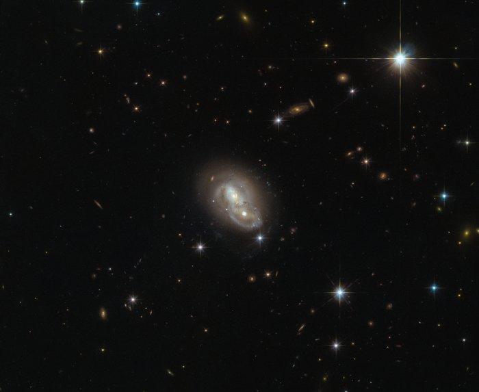 Телескоп Hubble сделал фото 2-х «влюбленных» друг вдруга галактик