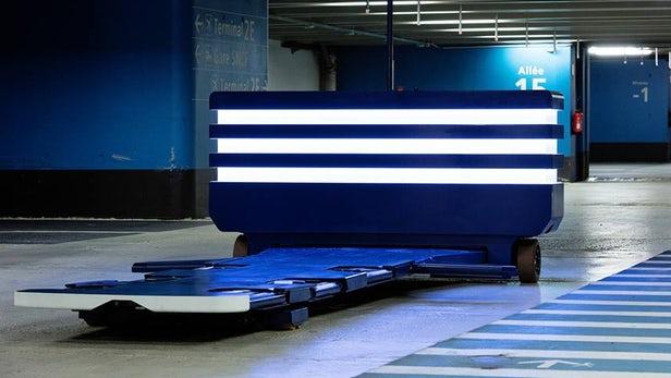 Компания Stanley Robotics представила робота-парковщика