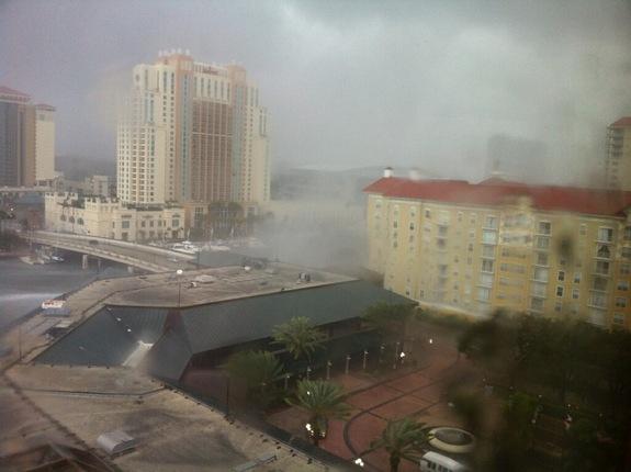 Водяной смерч в Тампе, Флорида