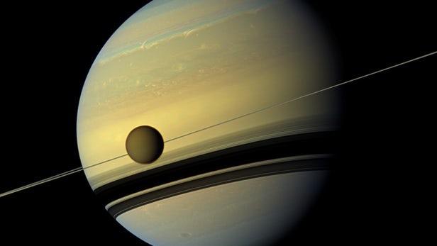 Ученые обнаружили наспутнике Сатурна Титане «живые» молекулы