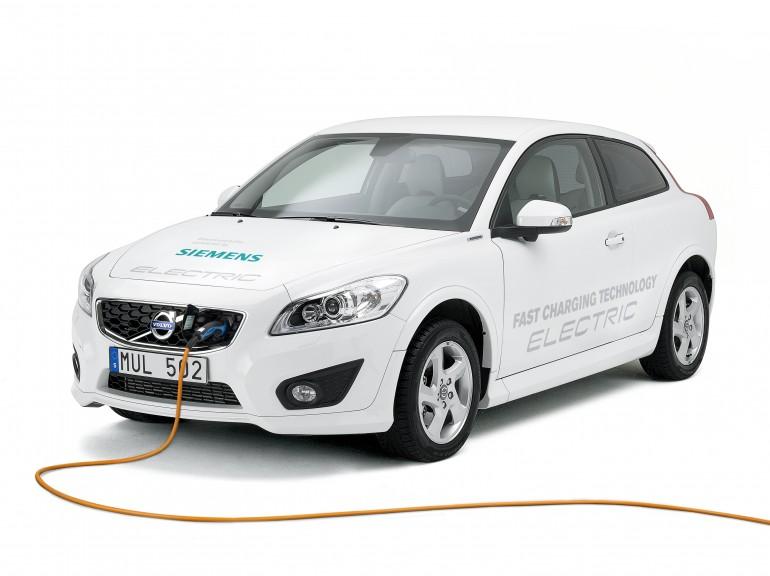 Siemens и Volvo ускорили подзарядку электромобиля до 90 минут